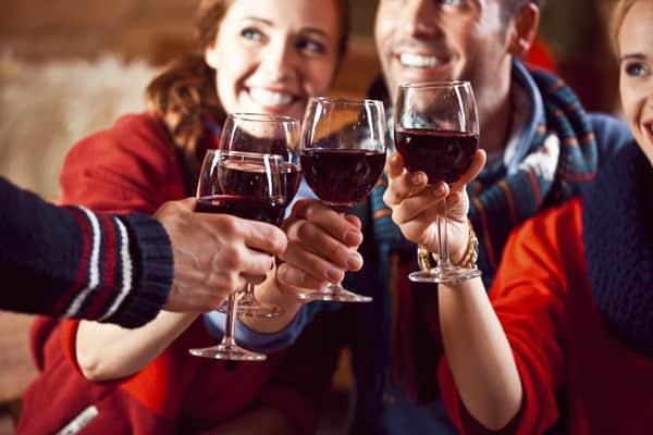 Bere vino in compagnia